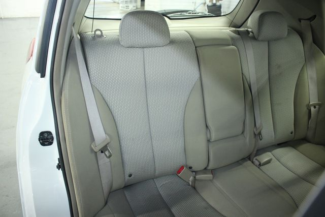 2009 Nissan Versa 1.8 SL Hatchback Kensington, Maryland 37