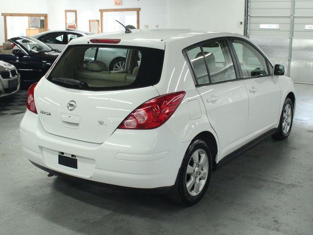 2009 Nissan Versa 1.8 SL Hatchback Kensington, Maryland 4