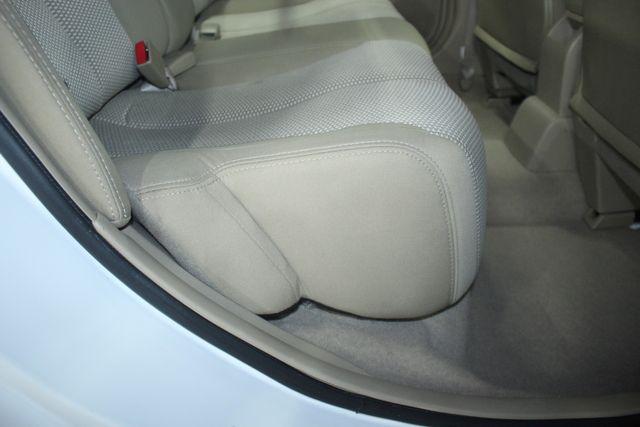 2009 Nissan Versa 1.8 SL Hatchback Kensington, Maryland 40