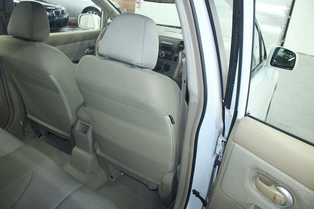 2009 Nissan Versa 1.8 SL Hatchback Kensington, Maryland 41