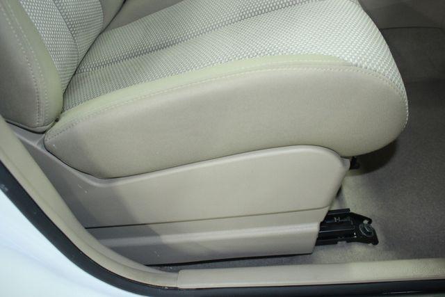 2009 Nissan Versa 1.8 SL Hatchback Kensington, Maryland 52