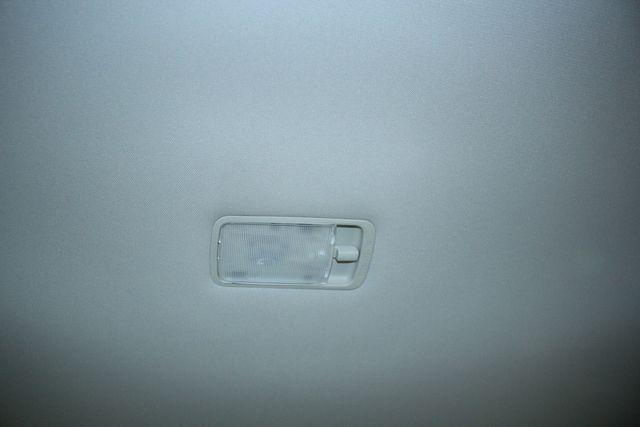 2009 Nissan Versa 1.8 SL Hatchback Kensington, Maryland 54