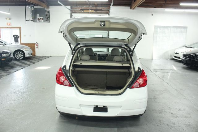 2009 Nissan Versa 1.8 SL Hatchback Kensington, Maryland 82