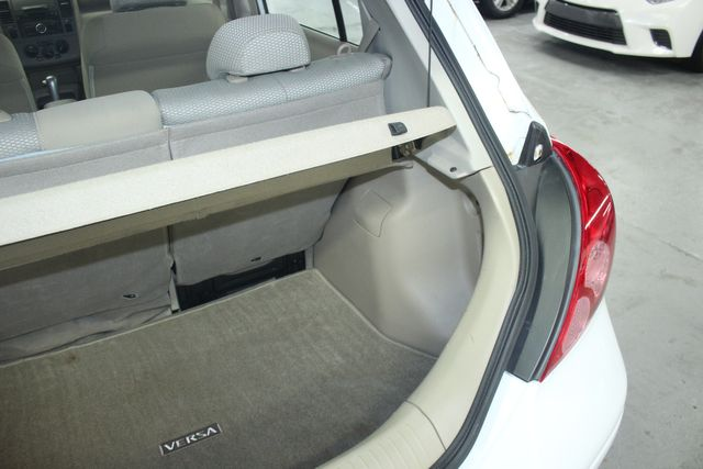 2009 Nissan Versa 1.8 SL Hatchback Kensington, Maryland 84