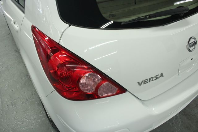 2009 Nissan Versa 1.8 SL Hatchback Kensington, Maryland 96