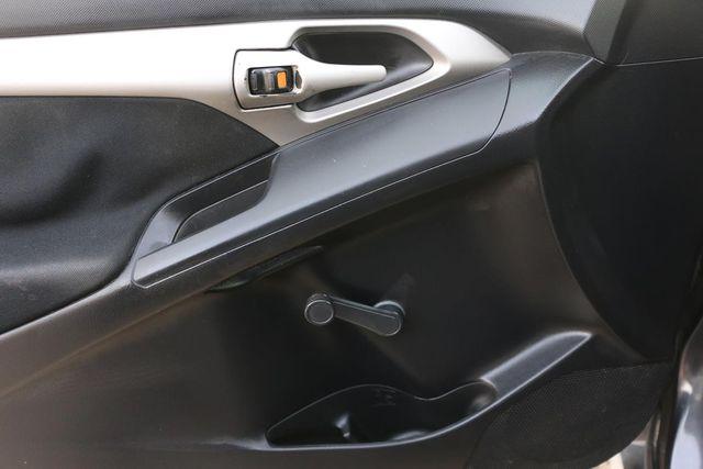 2009 Pontiac Vibe w/1SA Santa Clarita, CA 27