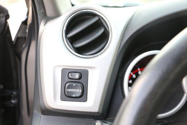 2009 Pontiac Vibe w/1SA Santa Clarita, CA 22