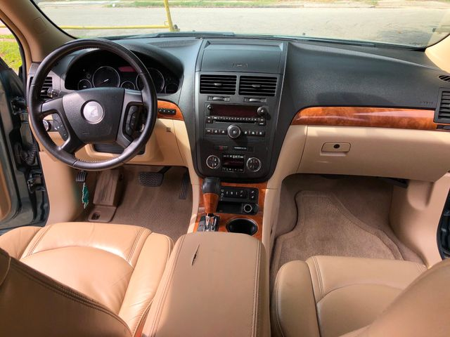 2009 Saturn Outlook XR Houston, TX 14