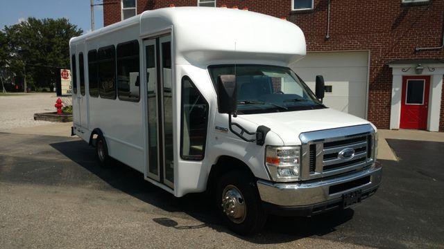 2009 Starcraft 14 Passenger Bus Wheelchair Accessible Alliance, Ohio 1