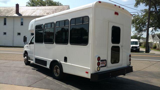2009 Starcraft 14 Passenger Bus Wheelchair Accessible Alliance, Ohio 3