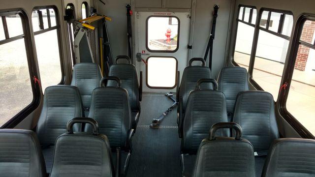 2009 Starcraft 14 Passenger Bus Wheelchair Accessible Alliance, Ohio 6
