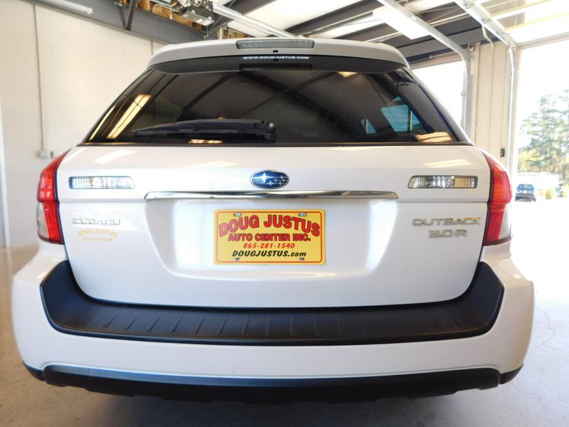 2009 Subaru Outback 30R Ltd  city TN  Doug Justus Auto Center Inc  in Airport Motor Mile ( Metro Knoxville ), TN
