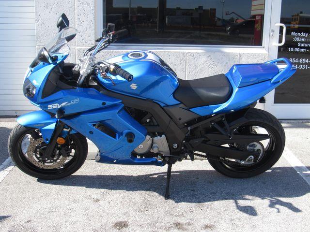 2009 Suzuki SV650SF ABS in Dania Beach Florida, 33004