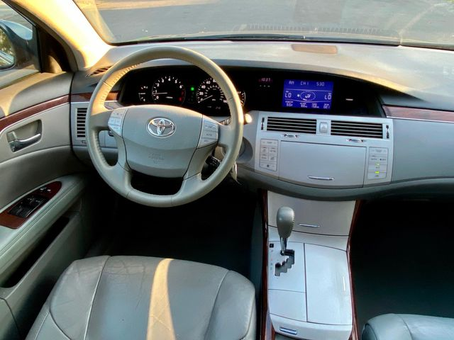 2009 Toyota AVALON LIMITED AUTOMATIC LEATHER SERVICE RECORDS in Van Nuys, CA 91406