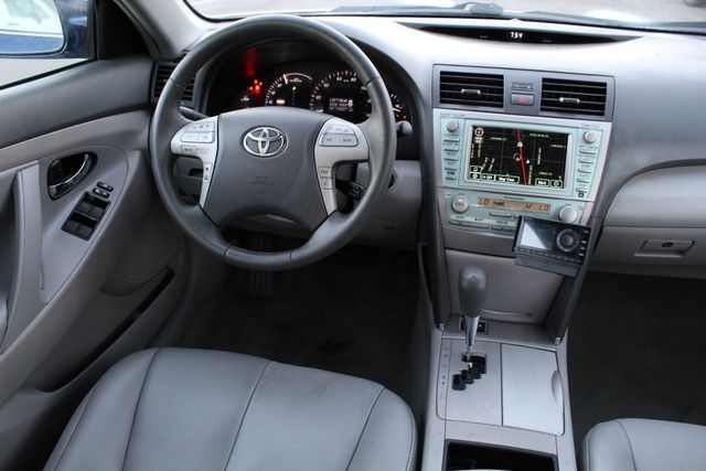2009 Toyota CAMRY HYBRID SEDAN NAVIGATION LEATHER 1-OWNER in Woodland Hills CA, 91367