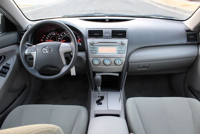 2009 Toyota CAMRY LE 79K MLS AUTOMATIC MOONROOF 1-OWNER in Woodland Hills CA, 91367