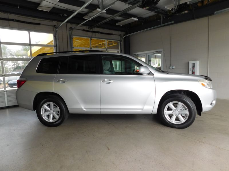 2009 Toyota Highlander   city TN  Doug Justus Auto Center Inc  in Airport Motor Mile ( Metro Knoxville ), TN