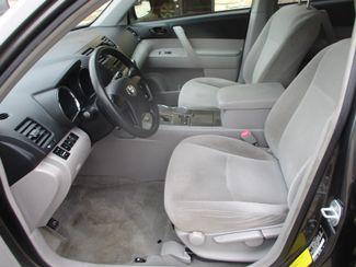 2009 Toyota Highlander Base Farmington, MN 2