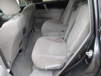 2009 Toyota Highlander Base Farmington, MN 3