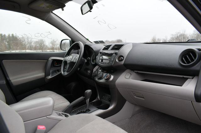 2009 Toyota RAV4 4WD Naugatuck, Connecticut 10