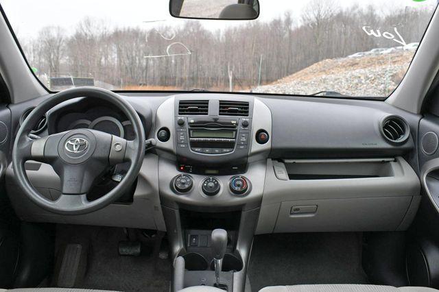 2009 Toyota RAV4 4WD Naugatuck, Connecticut 17