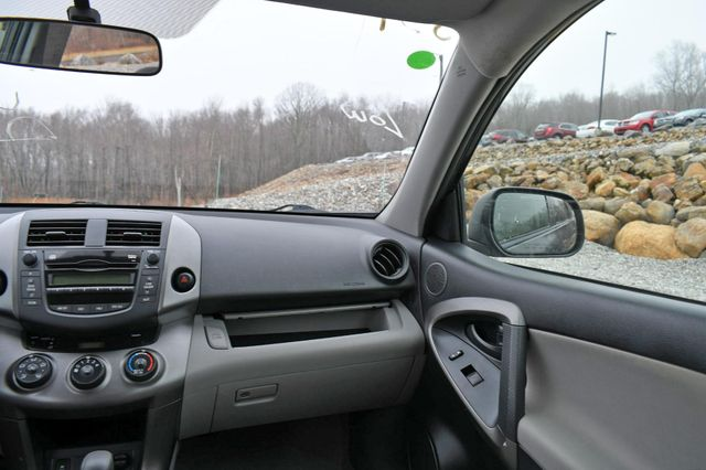 2009 Toyota RAV4 4WD Naugatuck, Connecticut 18