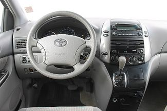 2009 Toyota Sienna LE Hollywood, Florida 18