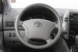 2009 Toyota Sienna LE Hollywood, Florida 16