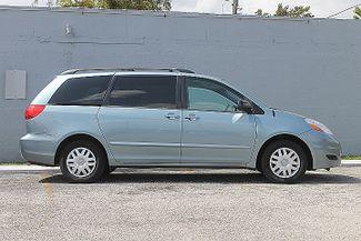 2009 Toyota Sienna LE Hollywood, Florida 3