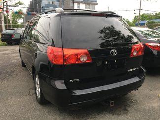 2009 Toyota Sienna LE New Brunswick, New Jersey 4