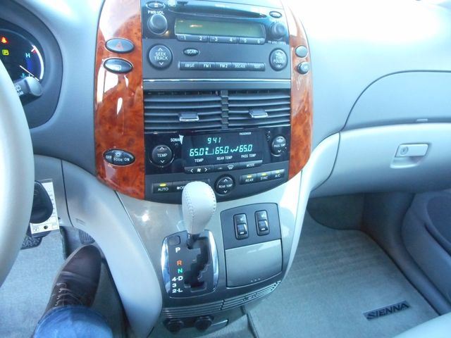 2009 Toyota Sienna XLE New Windsor, New York 16