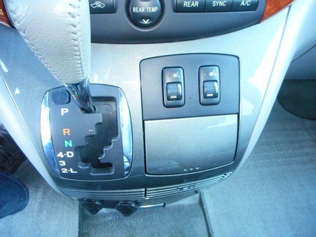 2009 Toyota Sienna XLE New Windsor, New York 17