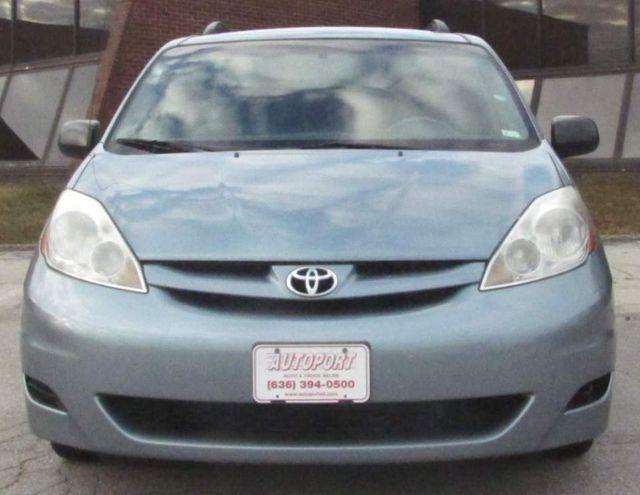 2009 Toyota Sienna LE St. Louis, Missouri 1