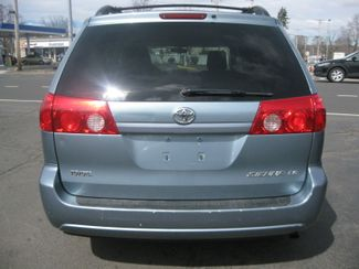 2009 Toyota Sienna LE  city CT  York Auto Sales  in , CT