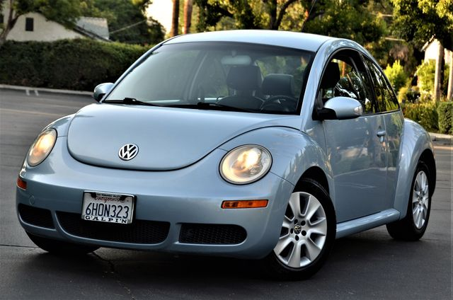 2009 Volkswagen New Beetle S in Reseda, CA, CA 91335