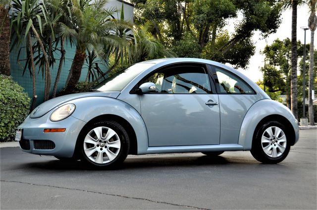2009 Volkswagen New Beetle S in Reseda, CA, CA 91335