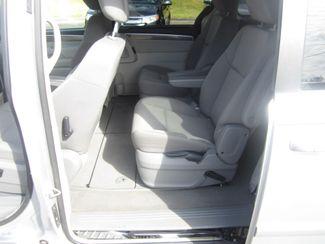 2009 Volkswagen Routan SE Batesville, Mississippi 27