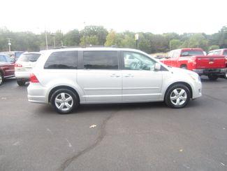 2009 Volkswagen Routan SE Batesville, Mississippi 1