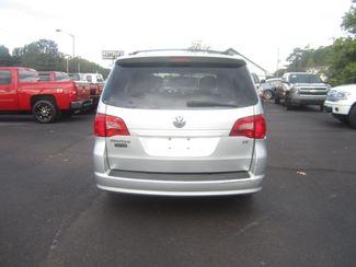 2009 Volkswagen Routan SE Batesville, Mississippi 5