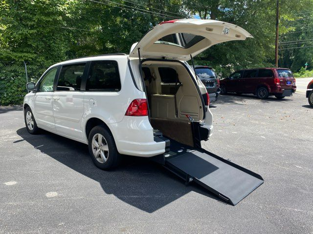 2009 Volkswagen Routan Handicap wheelchair accessible rear entry