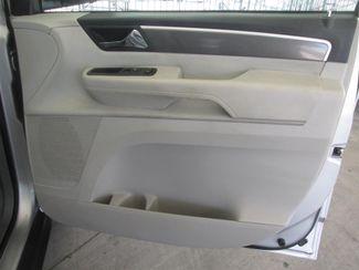 2009 Volkswagen Routan S Gardena, California 12