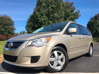 2009 Volkswagen Routan SEL in Leesburg Virginia, 20175