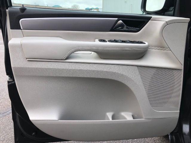 2009 Volkswagen Routan SEL LINDON, UT 18