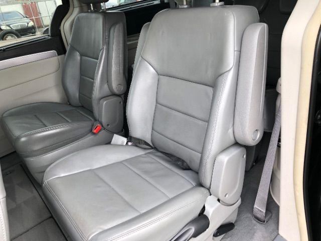 2009 Volkswagen Routan SEL LINDON, UT 21