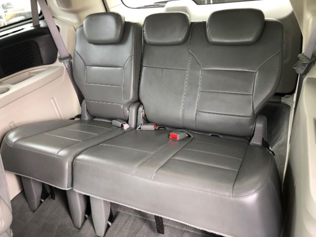 2009 Volkswagen Routan SEL LINDON, UT 23