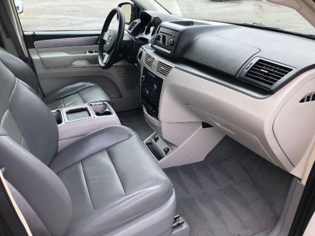 2009 Volkswagen Routan SEL LINDON, UT 25