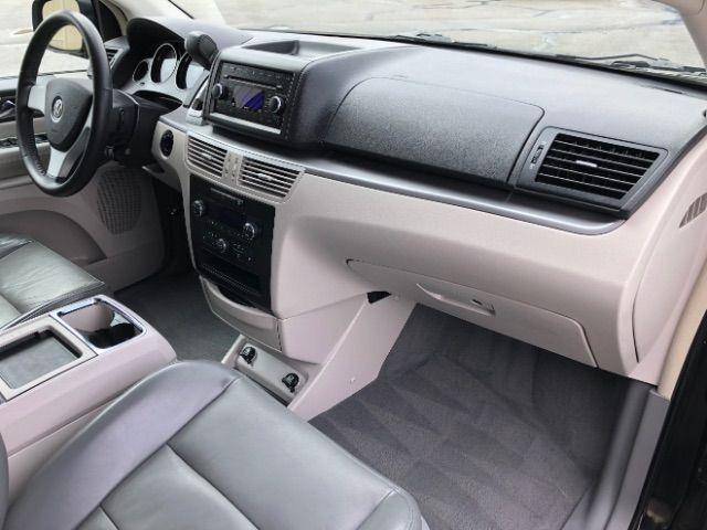 2009 Volkswagen Routan SEL LINDON, UT 26