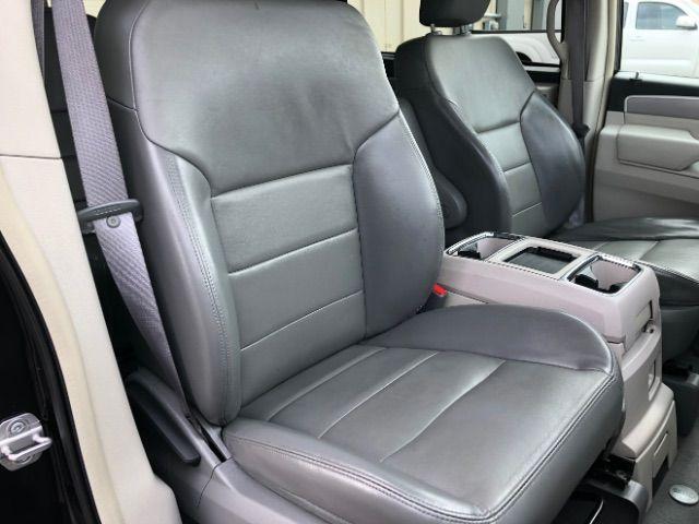 2009 Volkswagen Routan SEL LINDON, UT 27