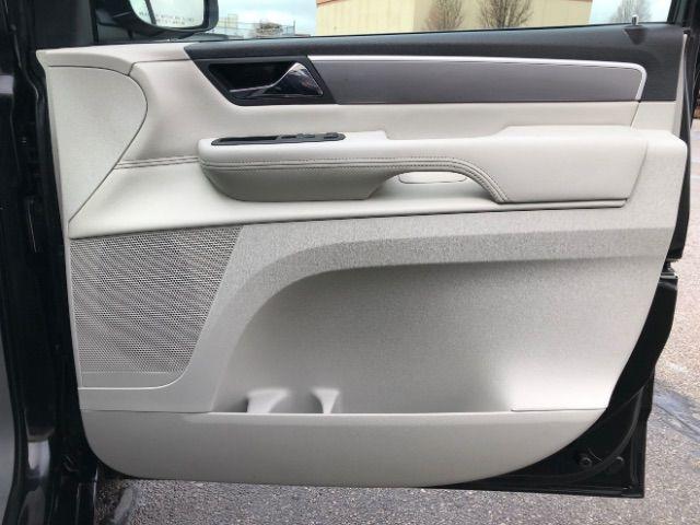2009 Volkswagen Routan SEL LINDON, UT 29