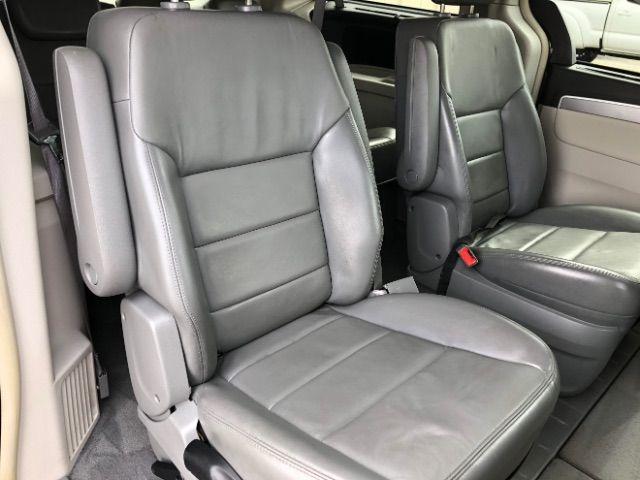 2009 Volkswagen Routan SEL LINDON, UT 31
